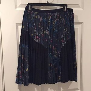 Banana Republic pleated floral skirt, Size 0